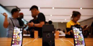 iPhone XS dan XS Max mulai dijual perdana hari ini (21/9) di 30 negara. (Foto: REUTERS/Edgar Su)